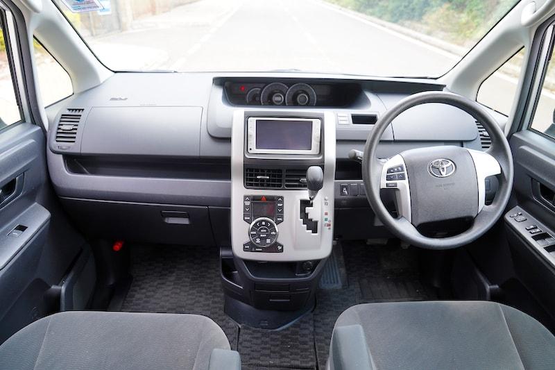 2012 Toyota Noah Dashboard