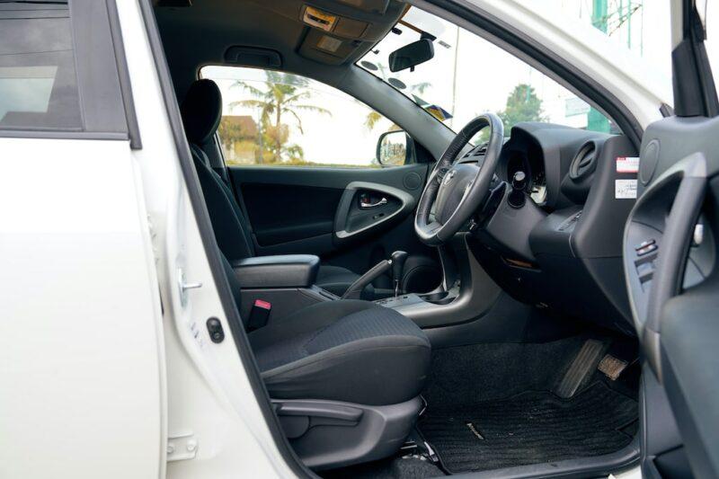 Toyota Vanguard First Row Seats