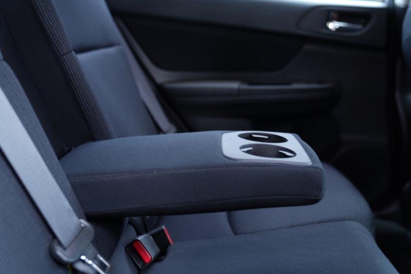 2013 Subaru Impreza armrest Cupholders