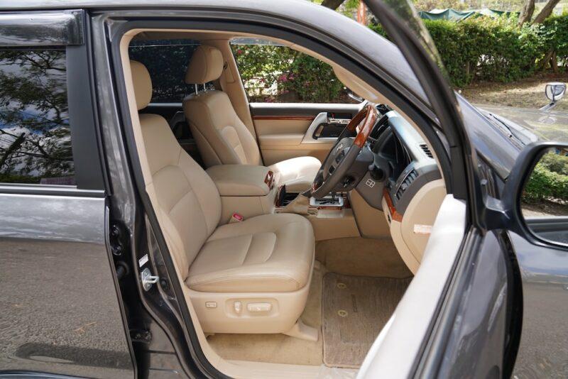 2013 Toyota Land Cruiser V8 First Row