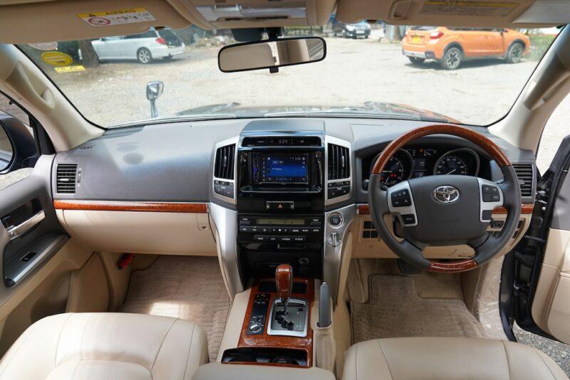 2013 Toyota Land Cruiser V8 Dashboard