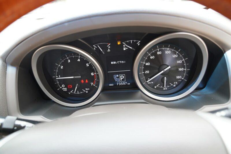 Land Cruiser V8 Speedometer