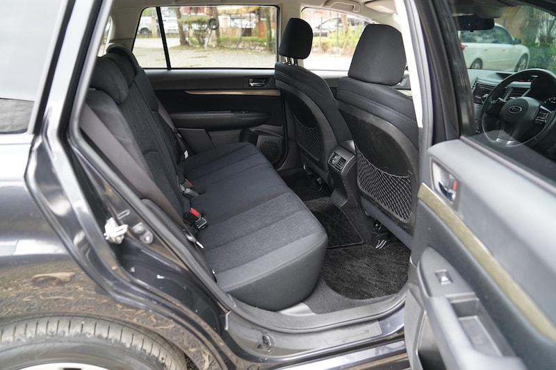 2013 Subaru Legacy Second Row