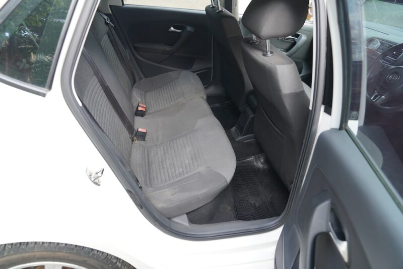 VW Polo Second row seats