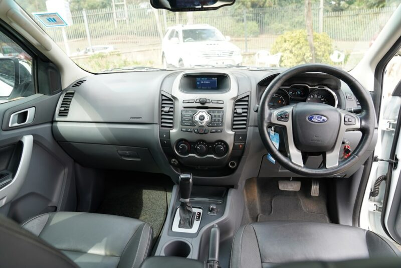 2014 Ford Ranger T6 dashboard