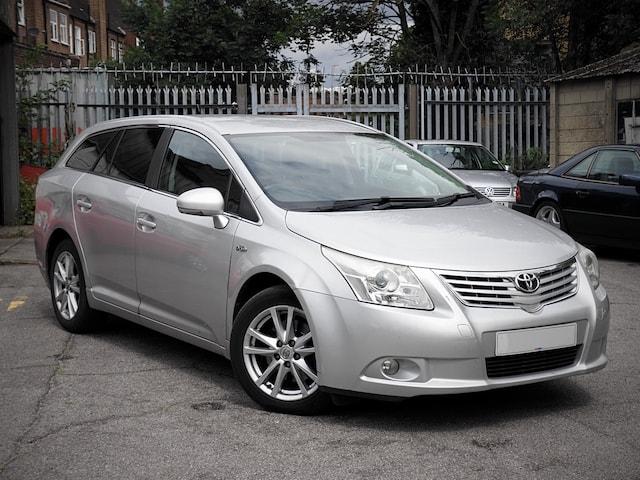 Toyota Avensis Price