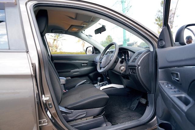 2013 Mitsubishi RVR front Seats