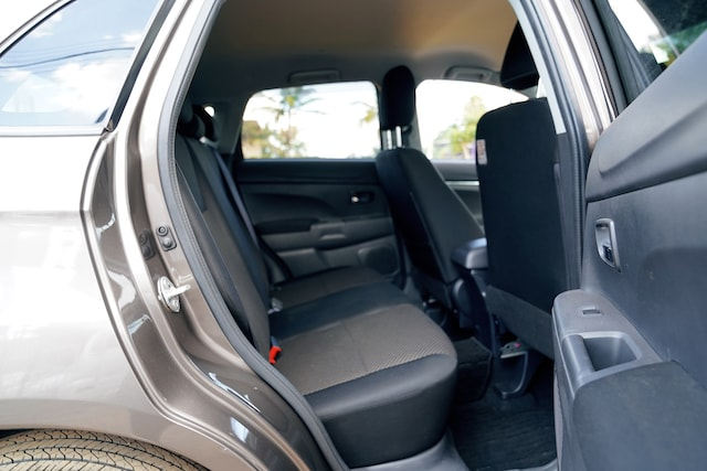 2013 Mitsubishi RVR rear seats