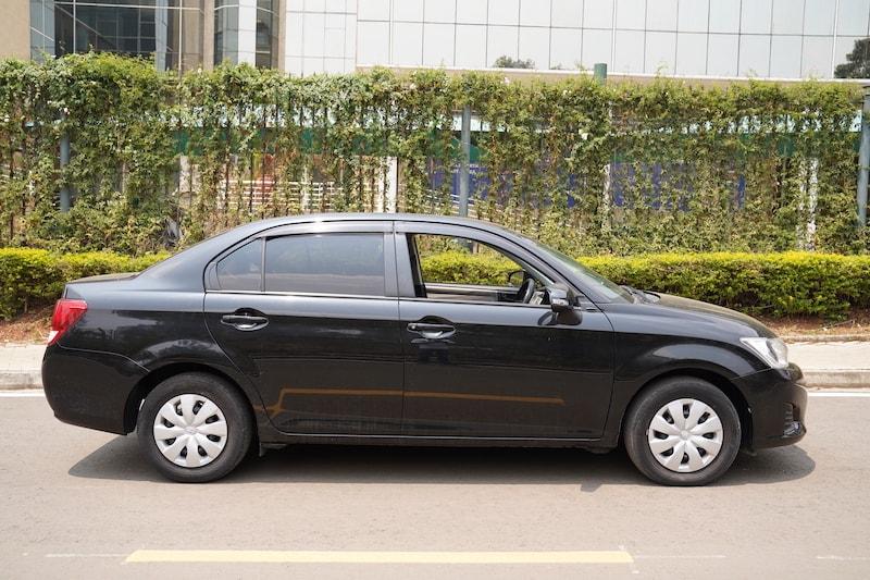 2013 Toyota Axio exterior