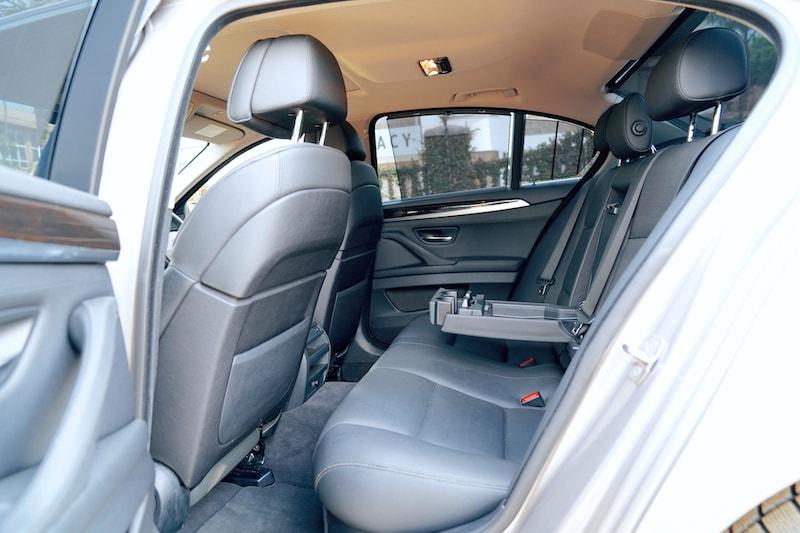 E Class Armrest Compartment