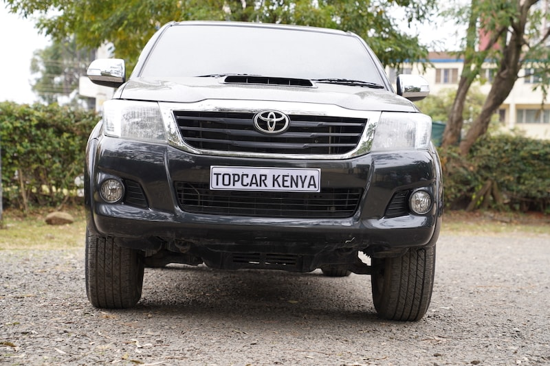 2013 Toyota Hilux Front