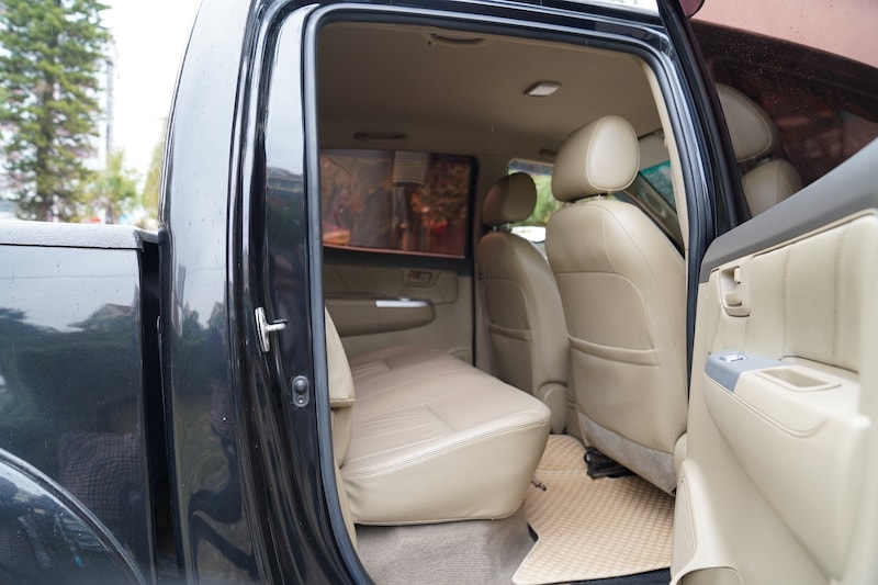 2013 Toyota Hilux Second Row