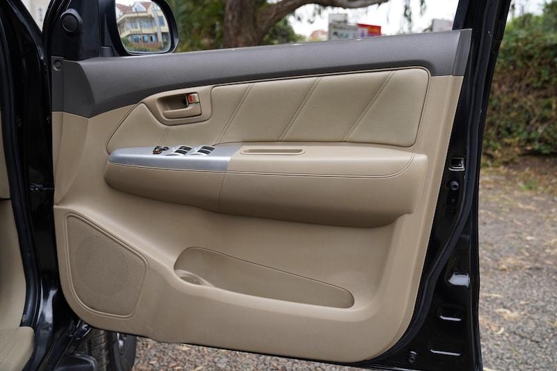 2013 Toyota Hilux Door Panel Storage