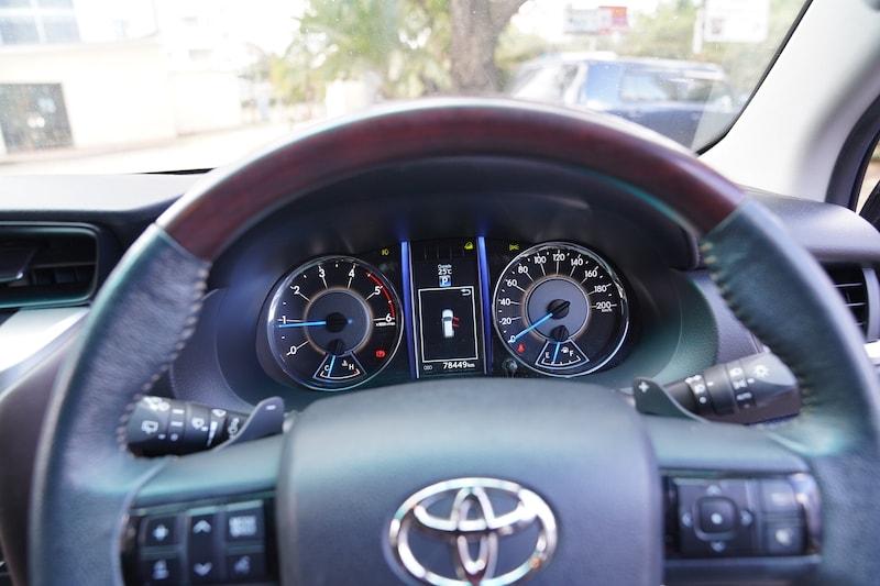 2016 Toyota Fortuner Speedometer
