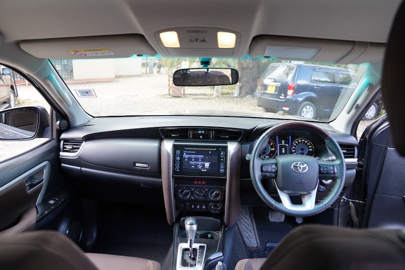 2016 Toyota Fortuner Dashboard