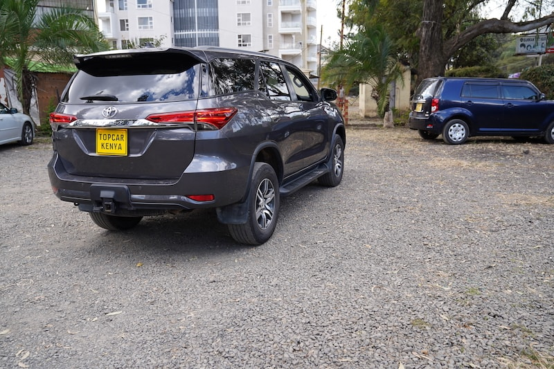 2016 Toyota Fortuner rear
