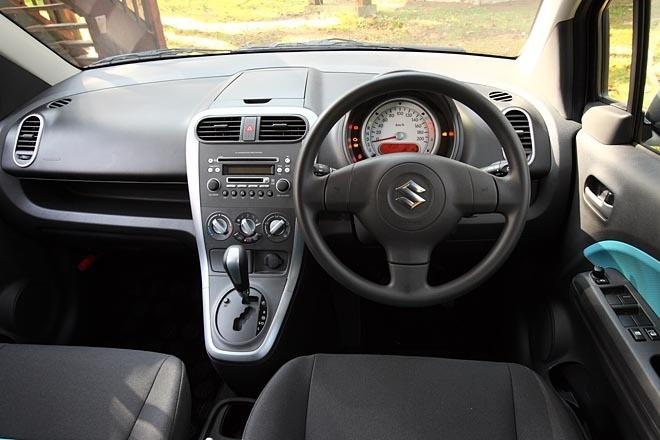 Suzuki Splash Dashboard