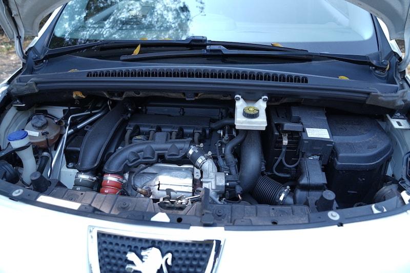 2013 Peugeot 3008 Engine