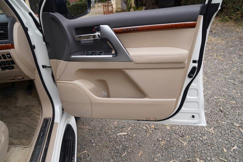 2014 Toyota Land Cruiser VX Door Pockets