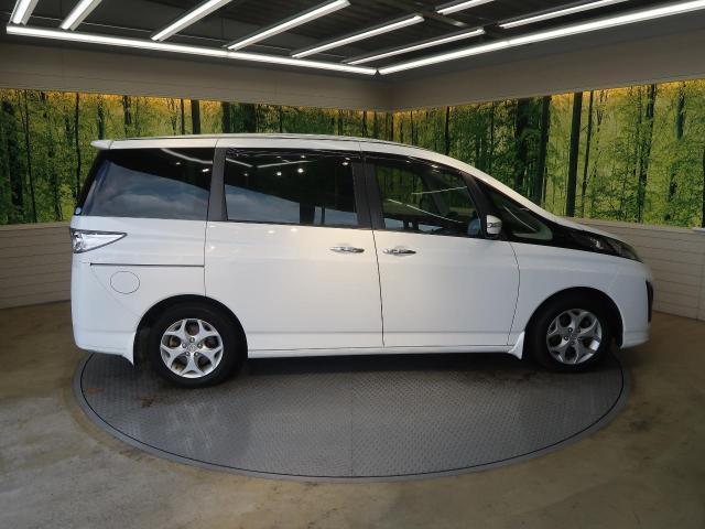 Mazda Biante Exterior
