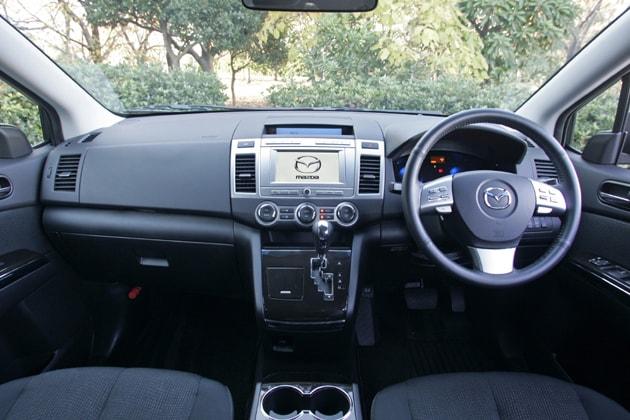 Mazda MPV Dashboard