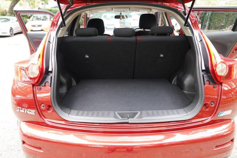 2004 Nissan Juke Boot