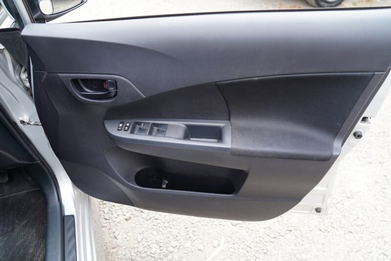 2014 Subaru Trezia door storage