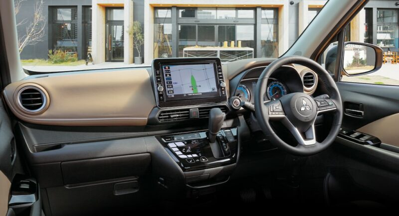 2020 Mitsubishi ek dashboard