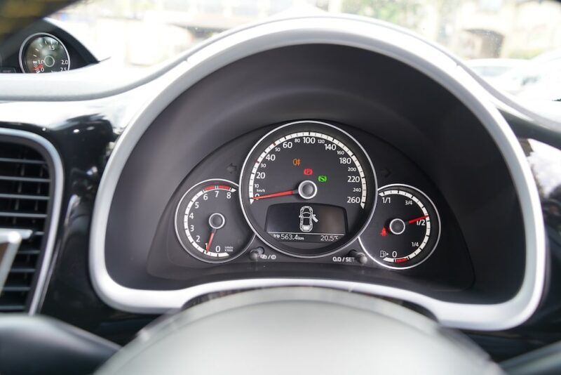 2014 VW Beetle Speedometer