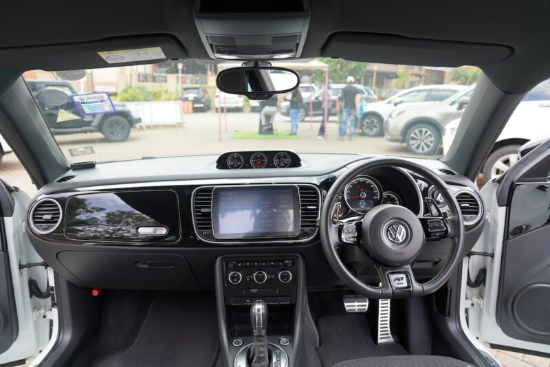 2014 VW Beetle Dashboard