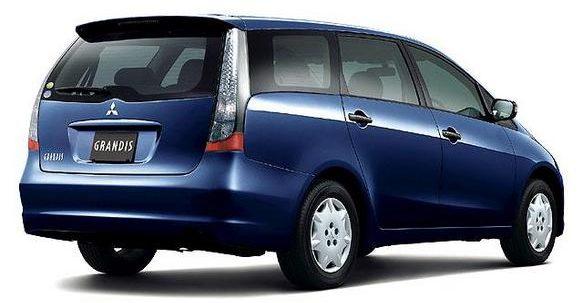 Mitsubishi Grandis Rear view