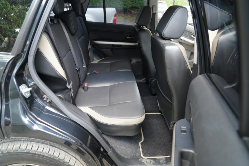 2014 Suzuki Escudo Second Row seats