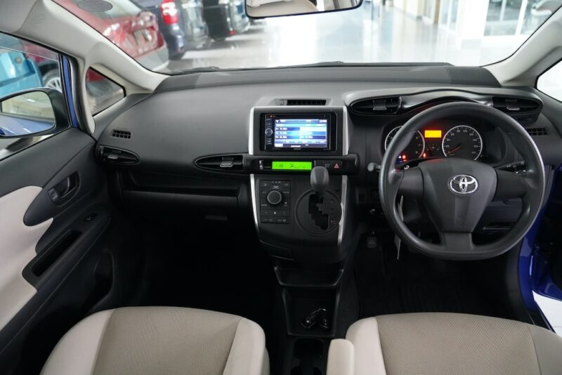 2014 Toyota Wish Dashboard