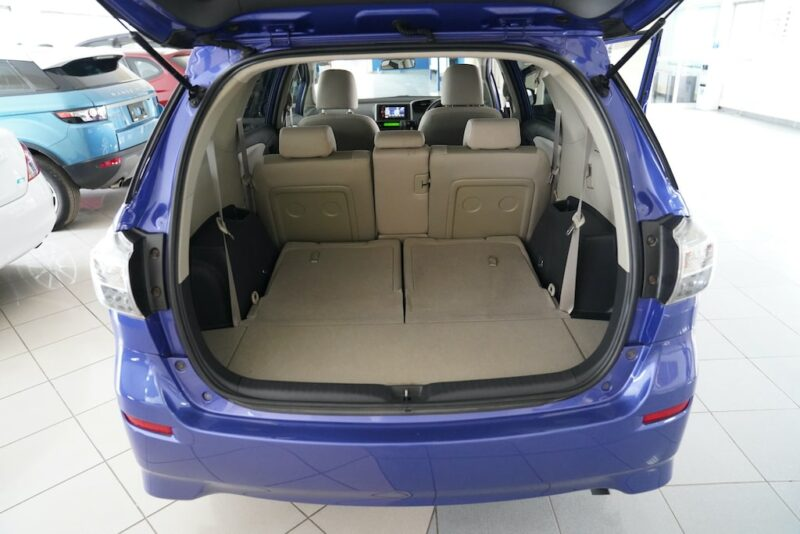 Toyota Wish Boot