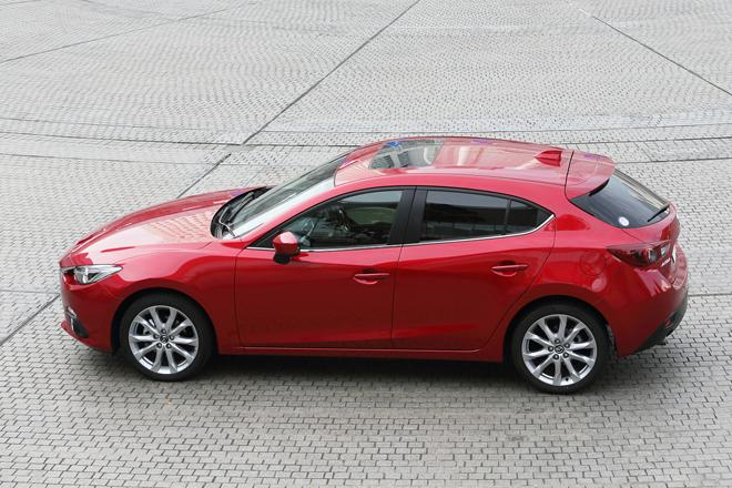 2014 Mazda Axela Exterior